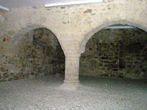 Porche Bellême salle du pilier