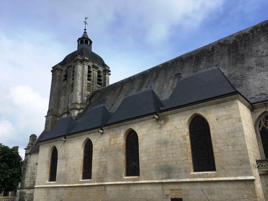 Eglise St Sauveur chapelles sud 496